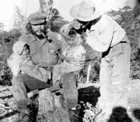 200px-Che-en-guerrilla-bolivia