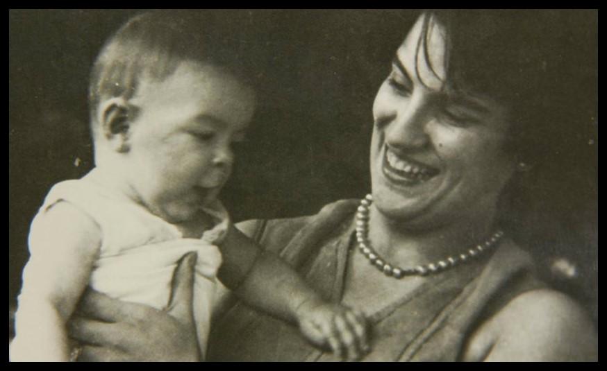 Ernesto y su mamá Celia de la Serna. (Foto: La Pastera. Museo del Che)