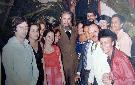 Encuentro de Fidel con los primeros médicos que integraron el Programa de Medicina Familiar, iniciado en 1984.